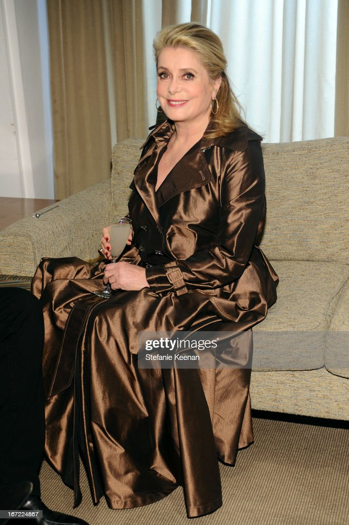 <a gi-track='captionPersonalityLinkClicked' href=/galleries/search?phrase=Catherine+Deneuve&family=editorial&specificpeople=123833 ng-click='$event.stopPropagation()'>Catherine Deneuve</a> attends the Grey Goose cocktail reception of The Film Society of Lincoln Center's 40th Chaplin Award Gala at Avery Fisher Hall, Lincoln Center on April 22, 2013 in New York City.