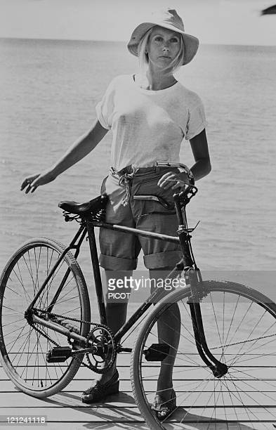 Catherine Deneuve in the Bahamas on the set of 'Le Sauvage' by JeanPaul Rappeneau on July 28 1975 in the Bahamas