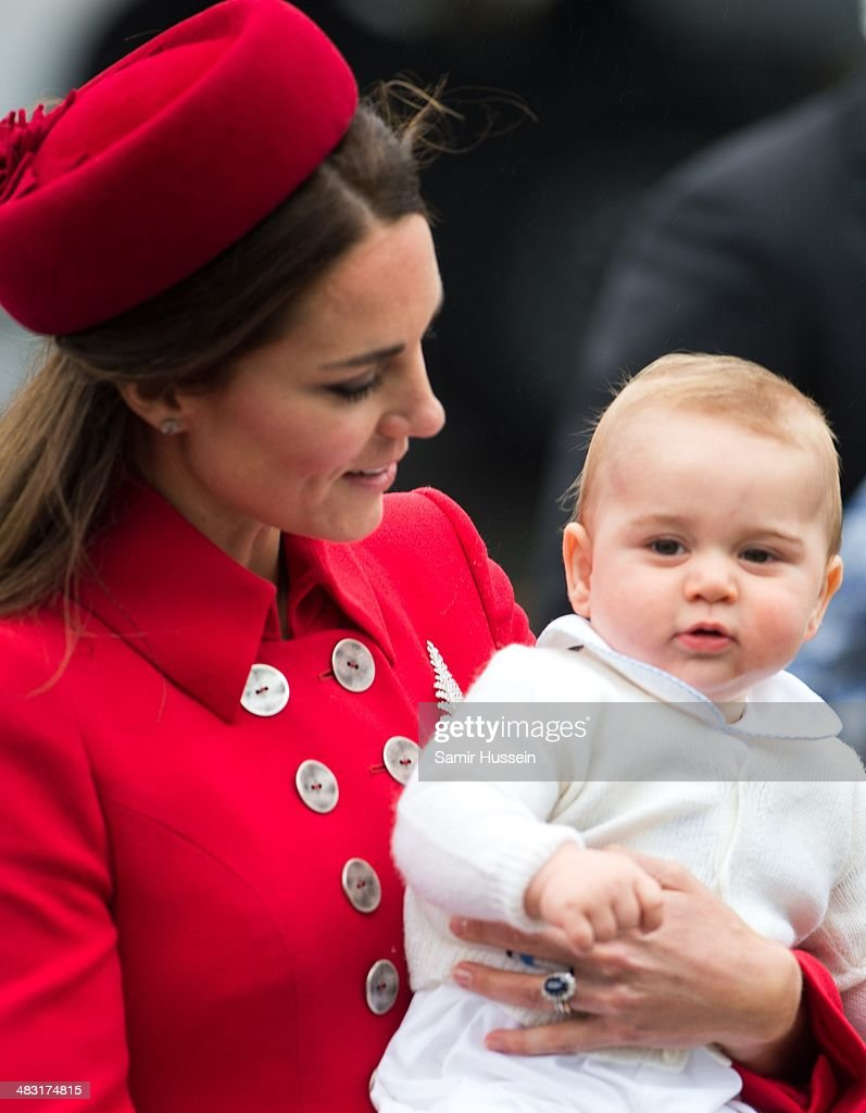 <a gi-track='captionPersonalityLinkClicked' href=/galleries/search?phrase=Catherine+-+Hertiginna+av+Cambridge&family=editorial&specificpeople=542588 ng-click='$event.stopPropagation()'>Catherine</a>, Duchess of Cambridge and Prince George of Cambridge arrive at Wellington Airport's military terminal for the start of their tour on April 7, 2014 in Wellington, New Zealand. The Duke and Duchess of Cambridge are on a three-week tour of Australia and New Zealand, the first official trip overseas with their son, Prince George of Cambridge.