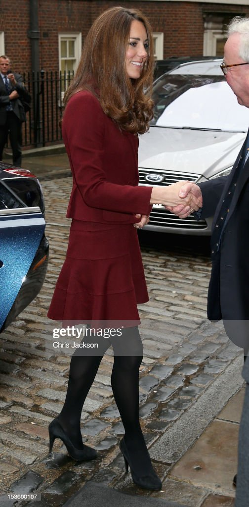 <a gi-track='captionPersonalityLinkClicked' href=/galleries/search?phrase=Catherine+-+Duchess+of+Cambridge&family=editorial&specificpeople=542588 ng-click='$event.stopPropagation()'>Catherine</a>, Duchess of Cambridge and Prince William, Duke of Cambridge visit Middle Temple on October 8, 2012 in London, England. The Duke of Cambridge, Master of the Bench, and The Duchess of Cambridge met recipients of the Queen Mother Scholarship, the Diana, Princess of Wales Scholarship and the Duke and Duchess of Cambridge Scholarships at Middle Temple Inn, London.
