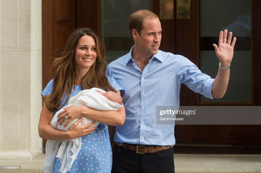 <a gi-track='captionPersonalityLinkClicked' href=/galleries/search?phrase=Catherine+-+Duchess+of+Cambridge&family=editorial&specificpeople=542588 ng-click='$event.stopPropagation()'>Catherine</a>, Duchess of Cambridge and <a gi-track='captionPersonalityLinkClicked' href=/galleries/search?phrase=Prince+William&family=editorial&specificpeople=178205 ng-click='$event.stopPropagation()'>Prince William</a>, Duke of Cambridge leave The Lindo Wing of St Mary's Hospital with their newborn son at St Mary's Hospital on July 23, 2013 in London, England.