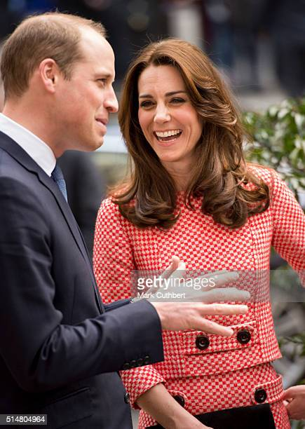 Catherine Duchess of Cambridge and Prince William Duke of Cambridge visit the mentoring programme of the XLP projectLondon Wall on March 11 2016 in...