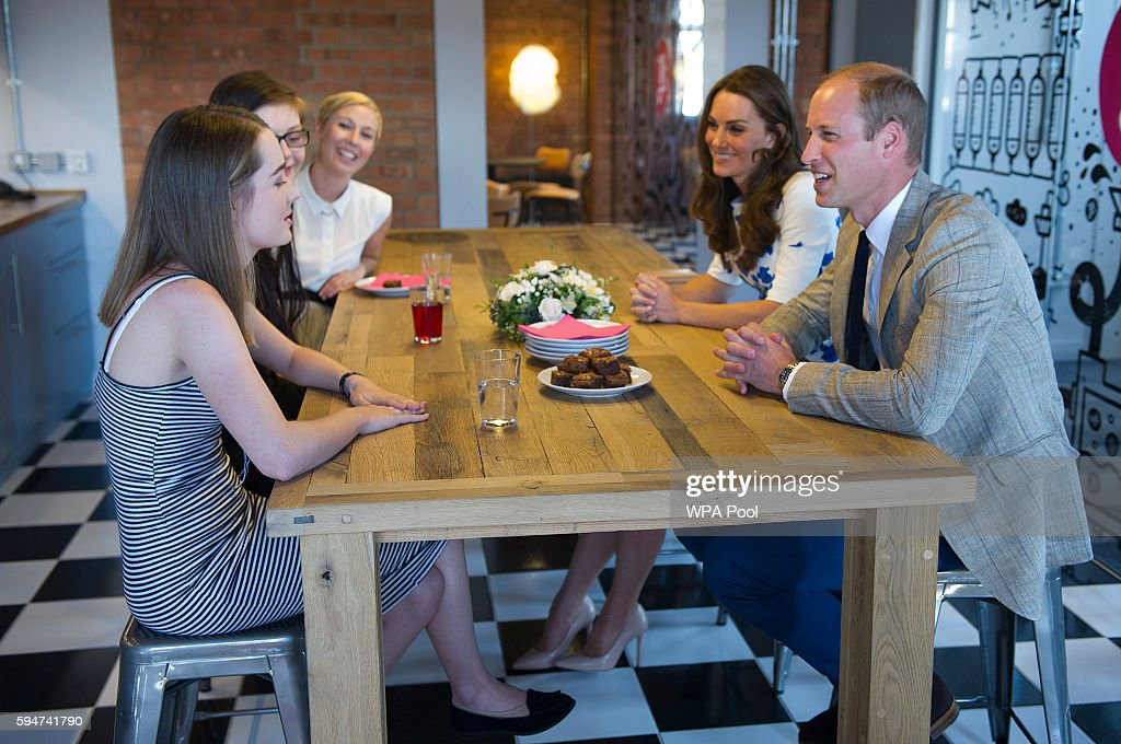 Catherine Duchess of Cambridge and Prince William Duke of Cambridge visit Youthscape on August 24 2016 in Luton England The Duke and Duchess visited...