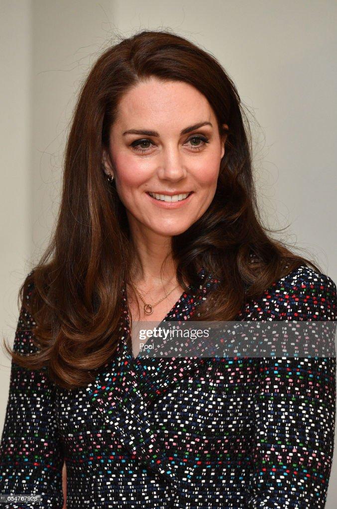 catherine-duchess-of-cambridge-and-prince-william-duke-of-cambridge-picture-id654767928