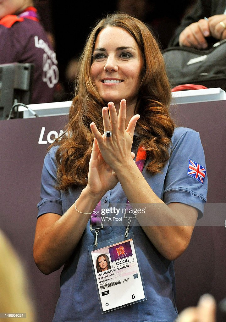 <a gi-track='captionPersonalityLinkClicked' href=/galleries/search?phrase=Catherine+-+Duchessa+di+Cambridge&family=editorial&specificpeople=542588 ng-click='$event.stopPropagation()'>Catherine</a>, Duchess of Cambridge applauds during the Women's Handball Preliminaries Group A match between Great Britain and Croatia on Day 9 of the London 2012 Olympic Games at the Copper Box on August 5, 2012 in London, England.
