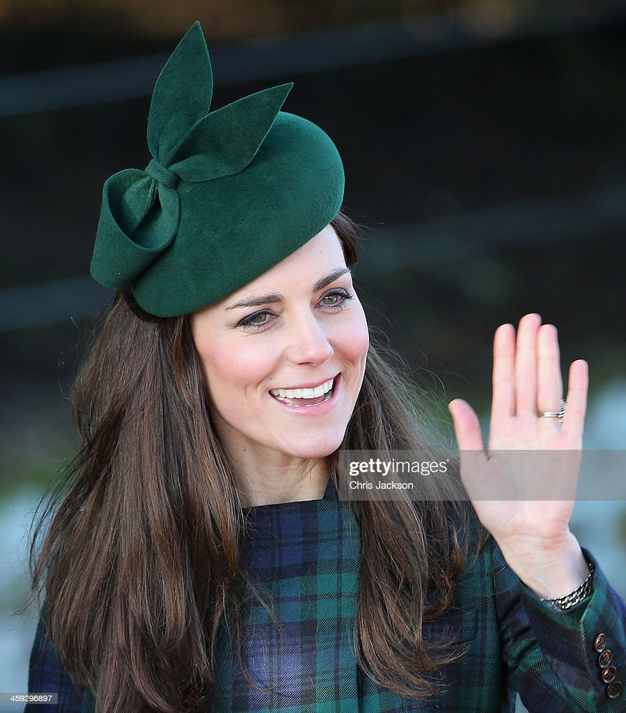 <a gi-track='captionPersonalityLinkClicked' href=/galleries/search?phrase=Catherine+-+Duchess+of+Cambridge&family=editorial&specificpeople=542588 ng-click='$event.stopPropagation()'>Catherine</a>, Duchess of Cambridge arrive for the Christmas Day service at Sandringham on December 25, 2013 in King's Lynn, England.
