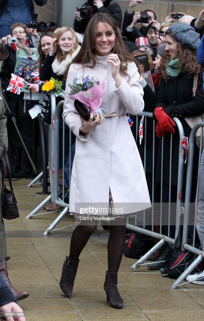 Catherine, Duchess of Cambridge arrives at Cambridge Guildhall as she pays an official visit to Cambridge with Prince William, Duke of Cambridge on November 28, 2012 in Cambridge, England.