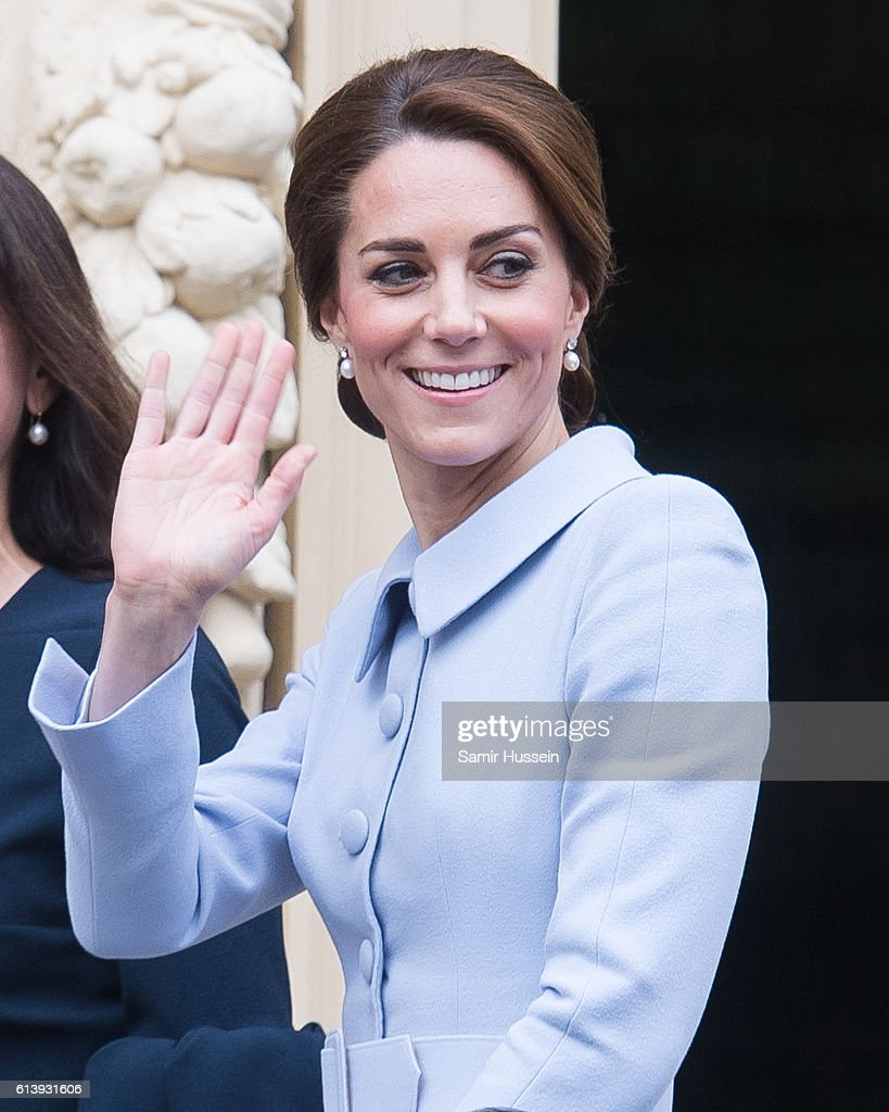 catherine-duchess-of-cambridge-arrives-at-the-mauritshuis-to-view-the-picture-id613931606