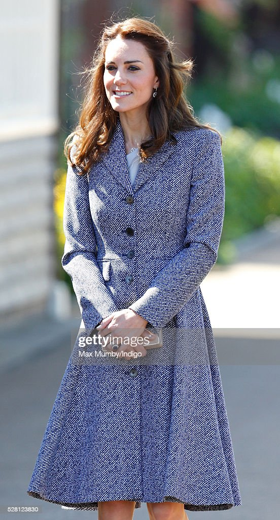 <a gi-track='captionPersonalityLinkClicked' href=/galleries/search?phrase=Catherine+-+Duchesse+de+Cambridge&family=editorial&specificpeople=542588 ng-click='$event.stopPropagation()'>Catherine</a>, Duchess of Cambridge arrives to open the Magic Garden at Hampton Court Palace on May 4, 2016 in London, England.