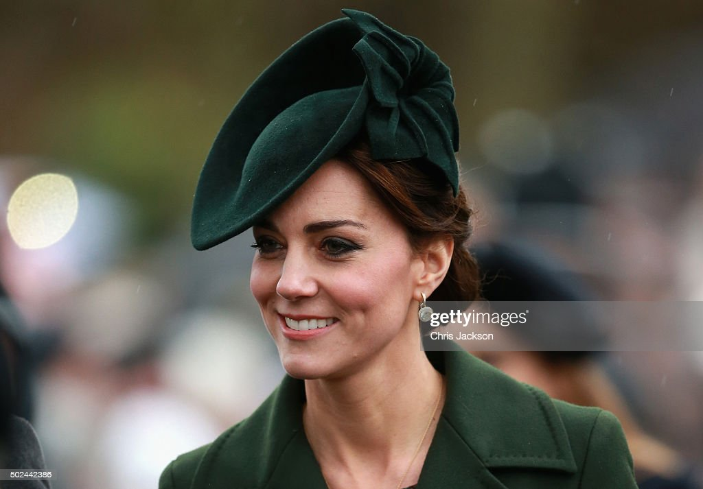 <a gi-track='captionPersonalityLinkClicked' href=/galleries/search?phrase=Catherine+-+Duchessa+di+Cambridge&family=editorial&specificpeople=542588 ng-click='$event.stopPropagation()'>Catherine</a>, Duchess of Cambridge attends a Christmas Day church service at Sandringham on December 25, 2015 in King's Lynn, England.