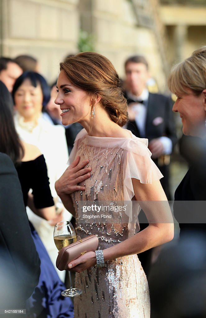 catherine-duchess-of-cambridge-attends-a-gala-dinner-in-support-of-picture-id542155184