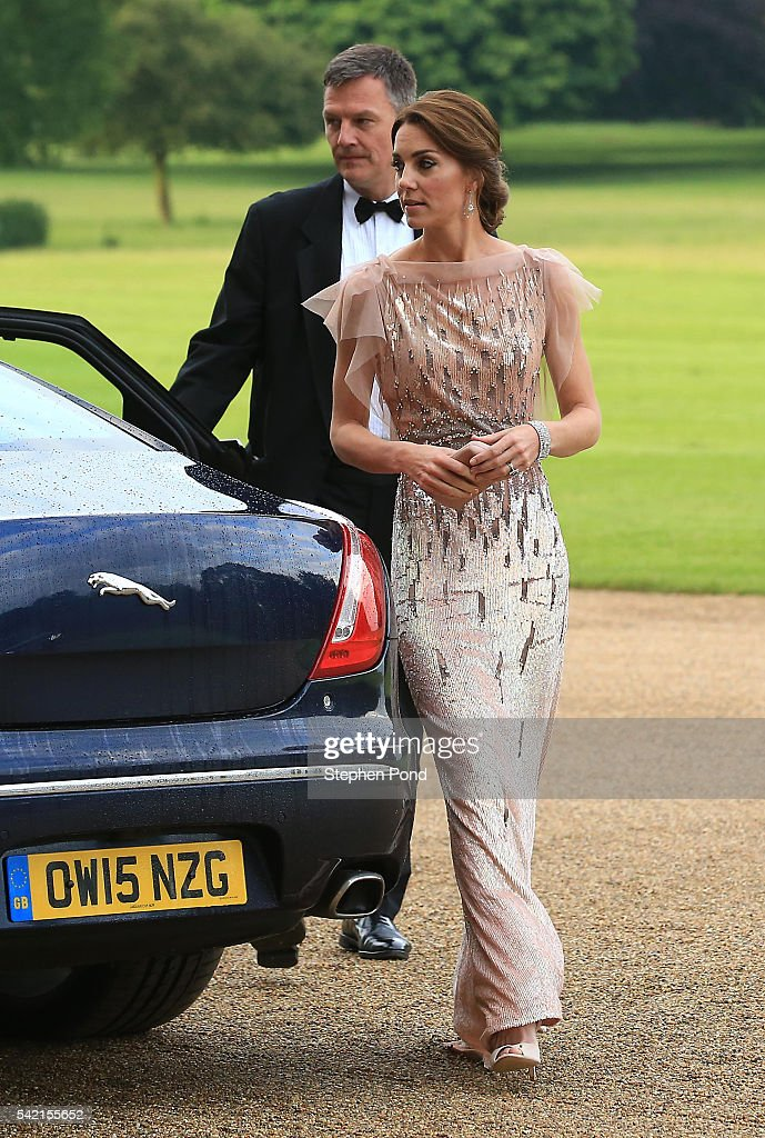 catherine-duchess-of-cambridge-attends-a-gala-dinner-in-support-of-picture-id542155652