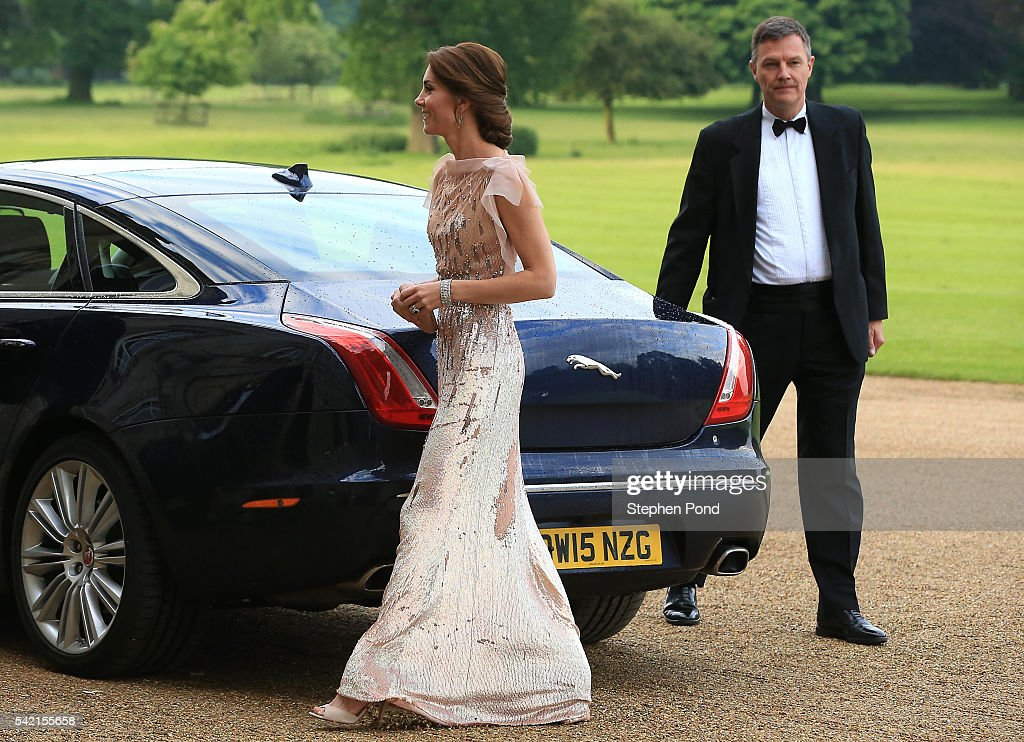catherine-duchess-of-cambridge-attends-a-gala-dinner-in-support-of-picture-id542155658