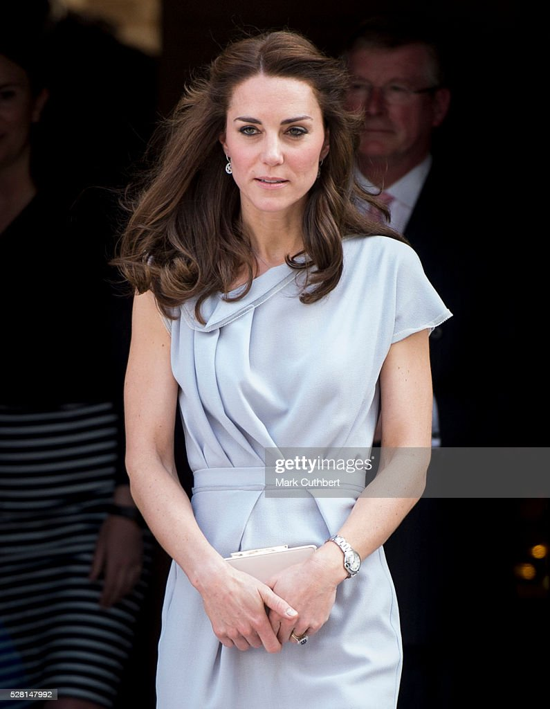 <a gi-track='captionPersonalityLinkClicked' href=/galleries/search?phrase=Catherine+-+Duchessa+di+Cambridge&family=editorial&specificpeople=542588 ng-click='$event.stopPropagation()'>Catherine</a>, Duchess of Cambridge attends a lunch in aid of The Anna Freud Centre on May 4, 2016 in London, England.