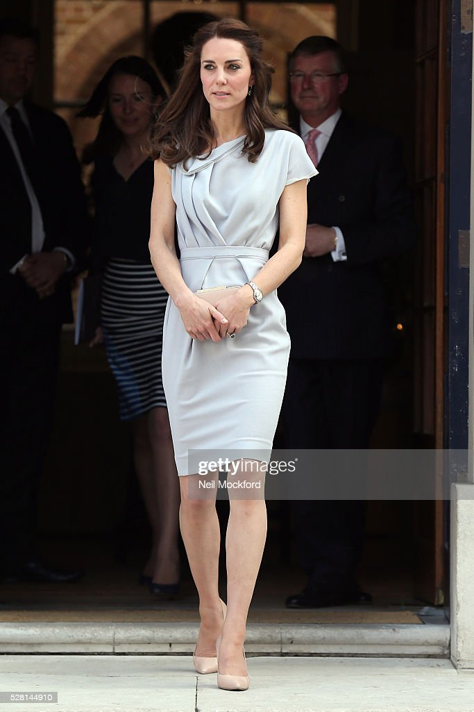 <a gi-track='captionPersonalityLinkClicked' href=/galleries/search?phrase=Catherine+-+Hertiginna+av+Cambridge&family=editorial&specificpeople=542588 ng-click='$event.stopPropagation()'>Catherine</a>, Duchess Of Cambridge attends a lunch in support of the Anna Freud Centre at Spencer House on May 04, 2016 in London, England.