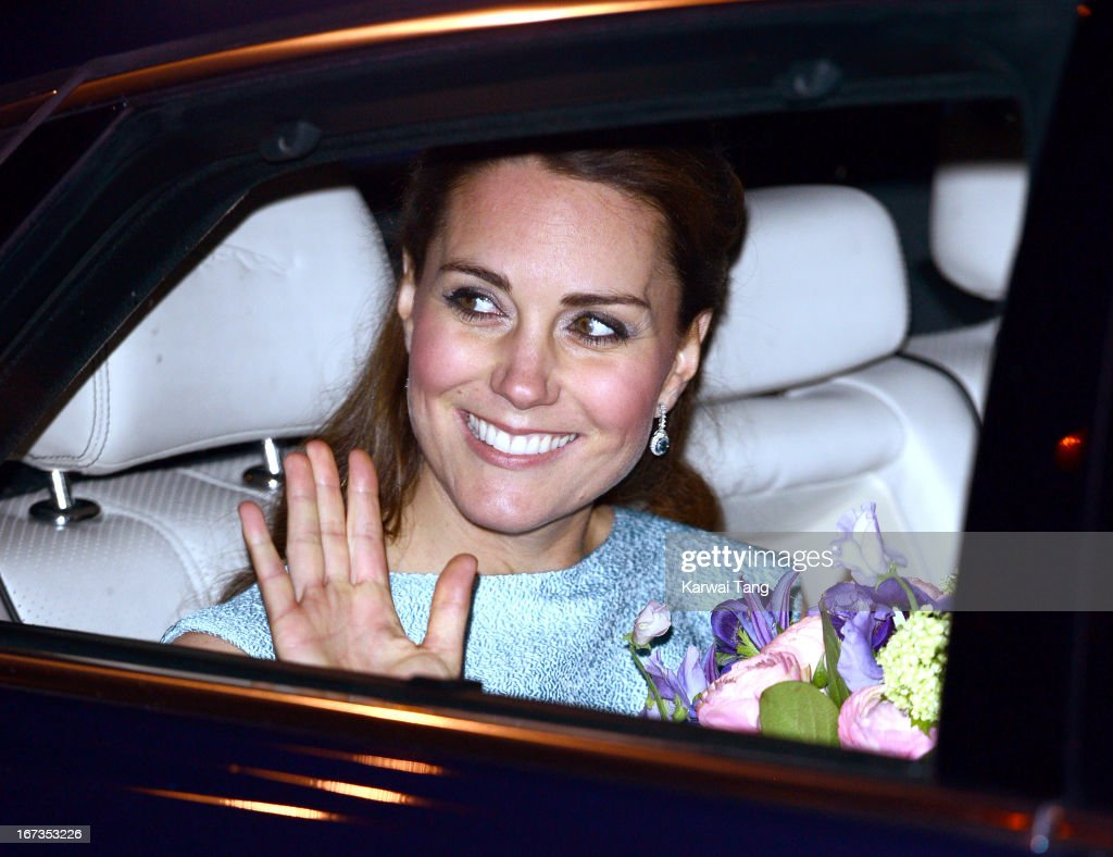 <a gi-track='captionPersonalityLinkClicked' href=/galleries/search?phrase=Catherine+-+Duchess+of+Cambridge&family=editorial&specificpeople=542588 ng-click='$event.stopPropagation()'>Catherine</a>, Duchess of Cambridge attends The Art Room reception at National Portrait Gallery on April 24, 2013 in London, England.