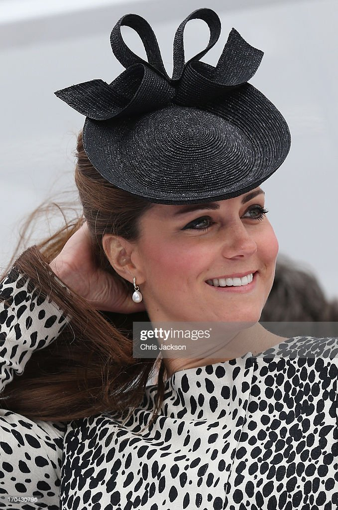 <a gi-track='captionPersonalityLinkClicked' href=/galleries/search?phrase=Catherine+-+Duquesa+de+Cambridge&family=editorial&specificpeople=542588 ng-click='$event.stopPropagation()'>Catherine</a>, Duchess of Cambridge attends the Princess Cruises ship naming ceremony at Ocean Terminal on June 13, 2013 in Southampton, England.