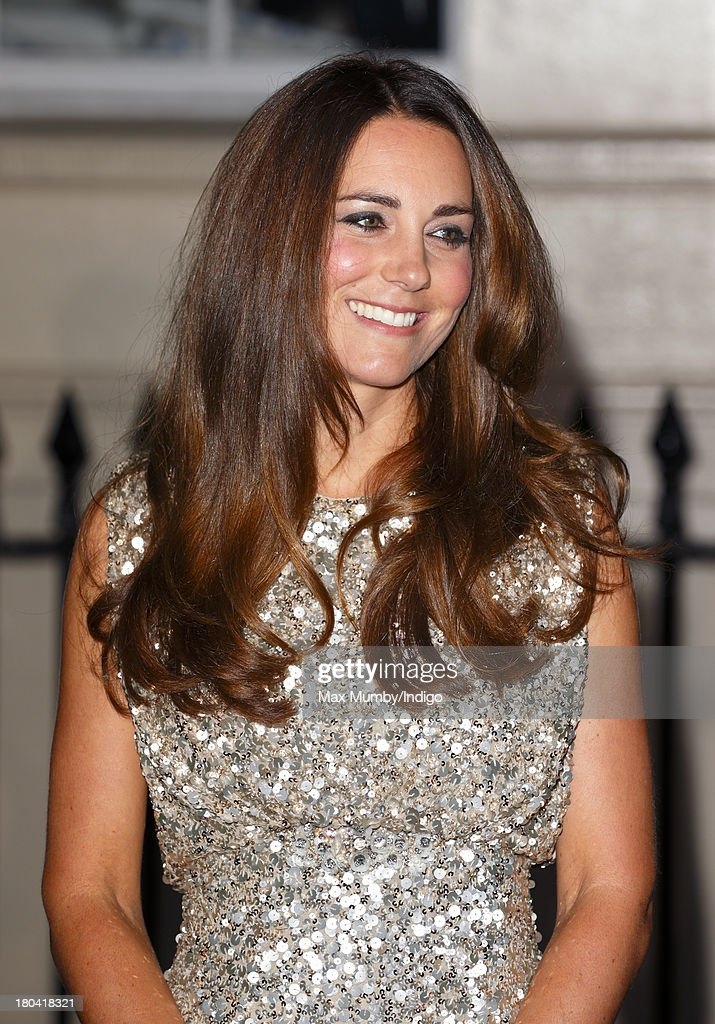 <a gi-track='captionPersonalityLinkClicked' href=/galleries/search?phrase=Catherine+-+Herzogin+von+Cambridge&family=editorial&specificpeople=542588 ng-click='$event.stopPropagation()'>Catherine</a>, Duchess of Cambridge attends the Tusk Conservation Awards at The Royal Society on September 12, 2013 in London, England.