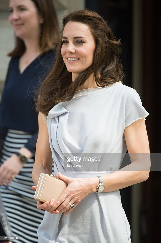 <a gi-track='captionPersonalityLinkClicked' href=/galleries/search?phrase=Catherine+-+Duchesse+de+Cambridge&family=editorial&specificpeople=542588 ng-click='$event.stopPropagation()'>Catherine</a>, Duchess of Cambridge departs after visiting the Anna Freud Centre on May 4, 2016 in London, England.