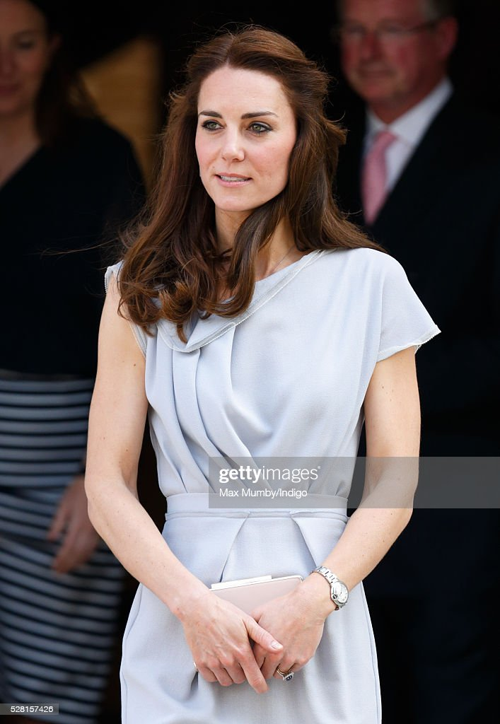<a gi-track='captionPersonalityLinkClicked' href=/galleries/search?phrase=Catherine+-+Hertiginna+av+Cambridge&family=editorial&specificpeople=542588 ng-click='$event.stopPropagation()'>Catherine</a>, Duchess of Cambridge departs Spencer House after attending a lunch in aid of The Anna Freud Centre on May 4, 2016 in London, England.
