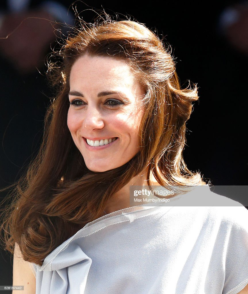 <a gi-track='captionPersonalityLinkClicked' href=/galleries/search?phrase=Catherine+-+Duchess+of+Cambridge&family=editorial&specificpeople=542588 ng-click='$event.stopPropagation()'>Catherine</a>, Duchess of Cambridge departs Spencer House after attending a lunch in aid of The Anna Freud Centre on May 4, 2016 in London, England.
