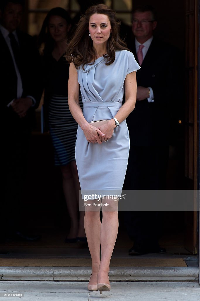 <a gi-track='captionPersonalityLinkClicked' href=/galleries/search?phrase=Catherine+-+Duchesse+de+Cambridge&family=editorial&specificpeople=542588 ng-click='$event.stopPropagation()'>Catherine</a>, Duchess of Cambridge departs the Anna Freud Centre on May 4, 2016 in London, England.