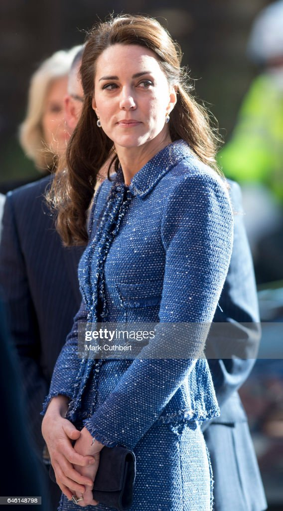 catherine-duchess-of-cambridge-during-a-visit-to-open-ronald-mcdonald-picture-id646148798