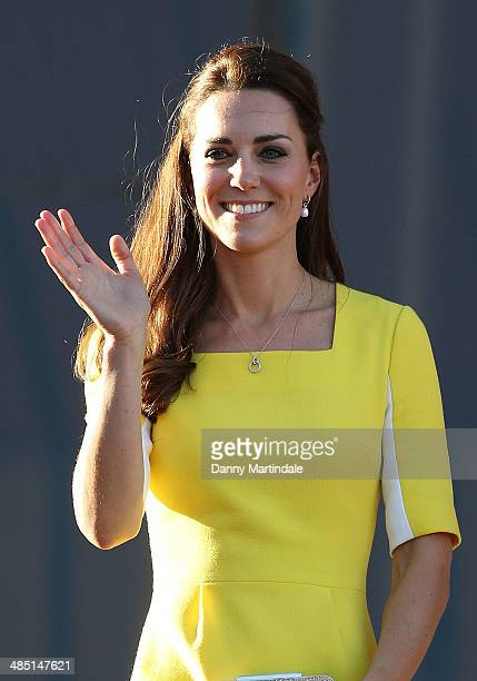 Catherine Duchess of Cambridge greet the crowds of public outside Sydney Opera House on April 16 2014 in Sydney Australia The Duke and Duchess of...