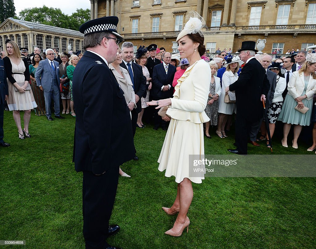 <a gi-track='captionPersonalityLinkClicked' href=/galleries/search?phrase=Catherine+-+Duchess+of+Cambridge&family=editorial&specificpeople=542588 ng-click='$event.stopPropagation()'>Catherine</a>, Duchess of Cambridge greets guests attending a garden party at Buckingham Palace on May 24, 2016 in London, England.