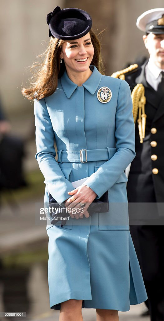 <a gi-track='captionPersonalityLinkClicked' href=/galleries/search?phrase=Catherine+-+Duquesa+de+Cambridge&family=editorial&specificpeople=542588 ng-click='$event.stopPropagation()'>Catherine</a>, Duchess of Cambridge, Honorary Air Commandant, walks to a reception after a service to mark the 75th anniversary year of the RAF Air Cadets at St Clement Danes Church on February 7, 2016 in London, England.