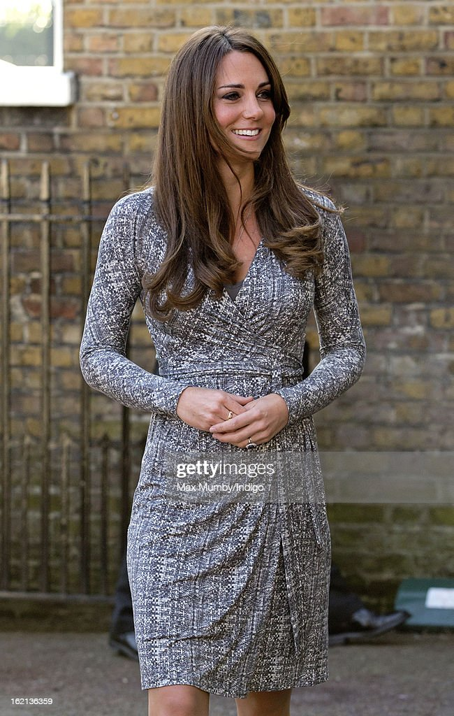 <a gi-track='captionPersonalityLinkClicked' href=/galleries/search?phrase=Catherine+-+Duquesa+de+Cambridge&family=editorial&specificpeople=542588 ng-click='$event.stopPropagation()'>Catherine</a>, Duchess of Cambridge, in her role as Patron of Action on Addiction, arrives for a visit to Hope House, a residential treatment centre, on February 19, 2013 in London, England.