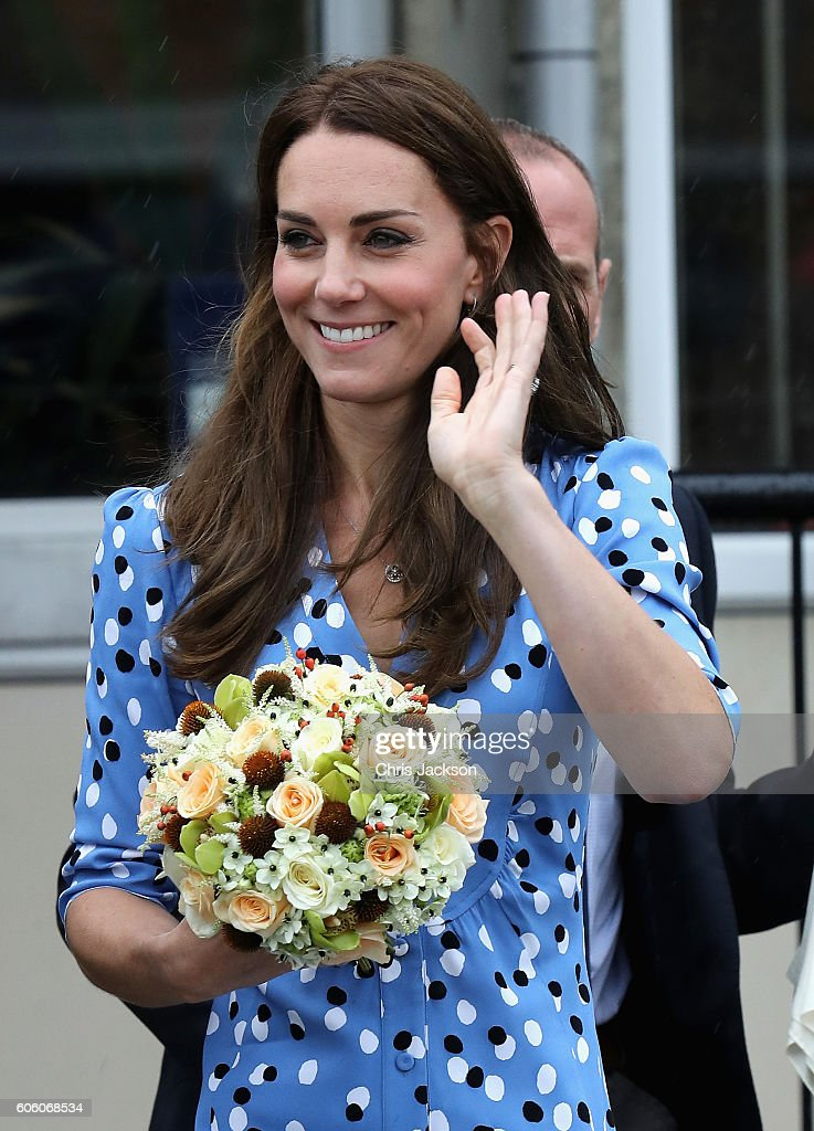 catherine-duchess-of-cambridge-leaves-stewards-academy-on-september-picture-id606068534