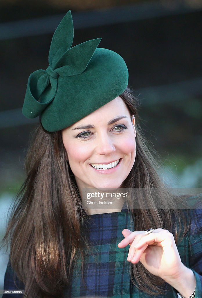<a gi-track='captionPersonalityLinkClicked' href=/galleries/search?phrase=Catherine+-+Duchess+of+Cambridge&family=editorial&specificpeople=542588 ng-click='$event.stopPropagation()'>Catherine</a>, Duchess of Cambridge leaves the Christmas Day service at Sandringham on December 25, 2013 in King's Lynn, England.