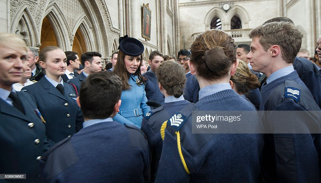 <a gi-track='captionPersonalityLinkClicked' href=/galleries/search?phrase=Catherine+-+Duquesa+de+Cambridge&family=editorial&specificpeople=542588 ng-click='$event.stopPropagation()'>Catherine</a>, Duchess of Cambridge meets cadets during the 75th Anniversary of the RAF Air Cadets at St Clement Danes Church on February 7, 2016 in London, England.
