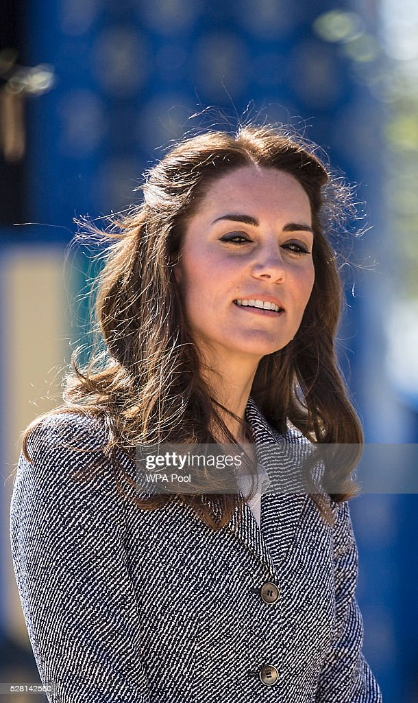 <a gi-track='captionPersonalityLinkClicked' href=/galleries/search?phrase=Catherine+-+Duchessa+di+Cambridge&family=editorial&specificpeople=542588 ng-click='$event.stopPropagation()'>Catherine</a>, Duchess of Cambridge officially opens The Magic Garden at Hampton Court Palace on May 4, 2016 in London, England.