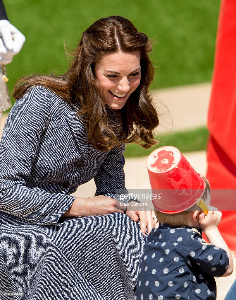 <a gi-track='captionPersonalityLinkClicked' href=/galleries/search?phrase=Catherine+-+Duchesse+de+Cambridge&family=editorial&specificpeople=542588 ng-click='$event.stopPropagation()'>Catherine</a>, Duchess of Cambridge opens The Magic Garden at Hampton Court Palace on May 4, 2016 in London, England.