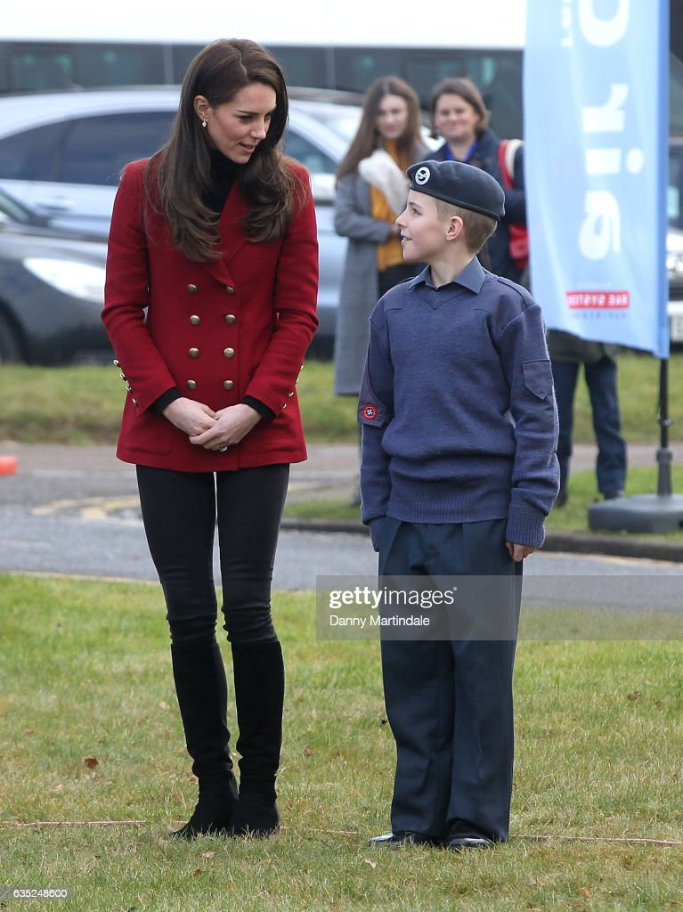 catherine-duchess-of-cambridge-plays-a-game-with-raf-air-cadets-a-picture-id635248600