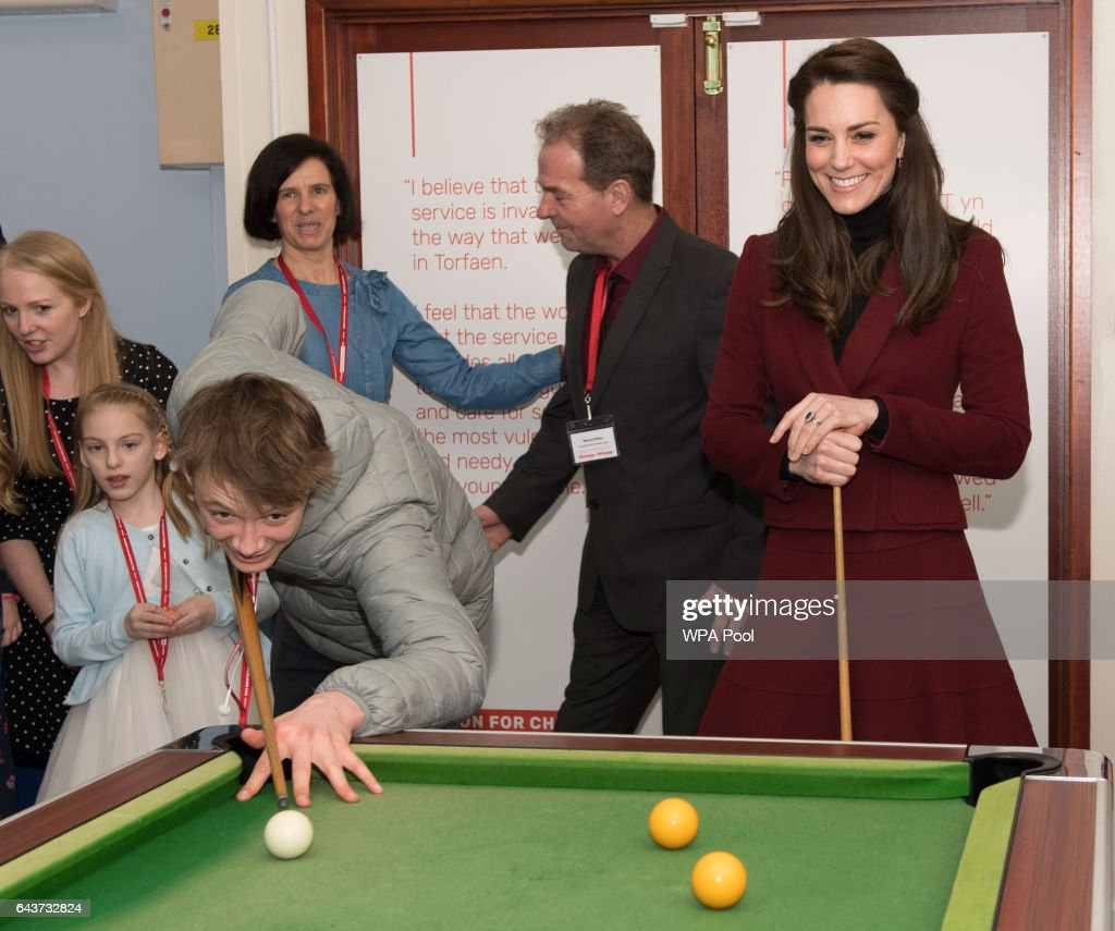 catherine-duchess-of-cambridge-plays-pool-during-her-visit-to-mist-a-picture-id643732824