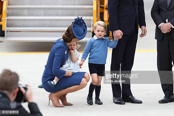 Catherine Duchess of Cambridge Prince George of Cambridge and Princess Charlotte of Cambridge arrive at the Victoria Airport on September 24 2016 in...