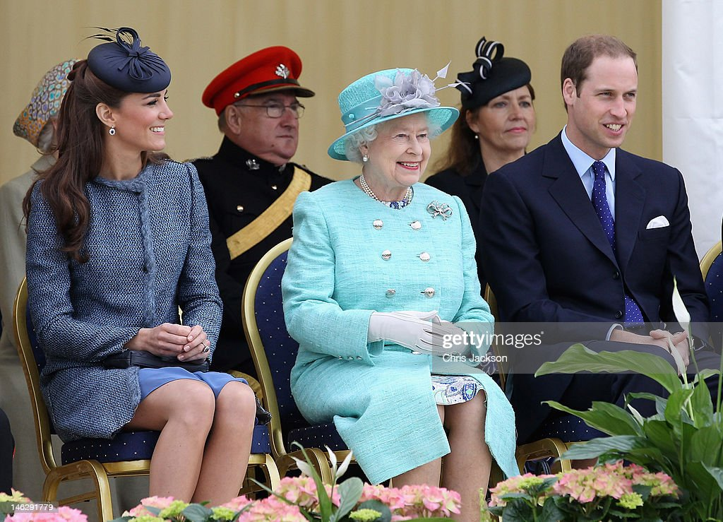 Catherine, Duchess of Cambridge, <a gi-track='captionPersonalityLinkClicked' href=/galleries/search?phrase=Prince+William&family=editorial&specificpeople=178205 ng-click='$event.stopPropagation()'>Prince William</a>, Duke of Cambridge and Queen <a gi-track='captionPersonalityLinkClicked' href=/galleries/search?phrase=Elizabeth+II&family=editorial&specificpeople=67226 ng-click='$event.stopPropagation()'>Elizabeth II</a> smile as they visit Vernon Park during a Diamond Jubilee visit to Nottingham on June 13, 2012 in Nottingham, England.