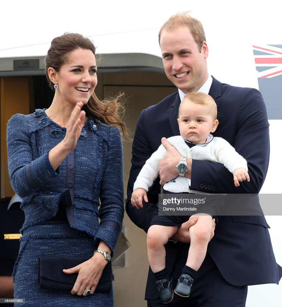 <a gi-track='captionPersonalityLinkClicked' href=/galleries/search?phrase=Catherine+-+Hertiginna+av+Cambridge&family=editorial&specificpeople=542588 ng-click='$event.stopPropagation()'>Catherine</a>, Duchess of Cambridge, Prince William, Duke of Cambridge and Prince George of Cambridge depart Wellington Airport on April 16, 2014 in Wellington, New Zealand. The Duke and Duchess of Cambridge are on a three-week tour of Australia and New Zealand, the first official trip overseas with their son, Prince George of Cambridge.