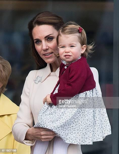 Catherine Duchess of Cambridge Princess Charlotte of Cambridge depart Victoria on October 1 2016 in Victoria Canada