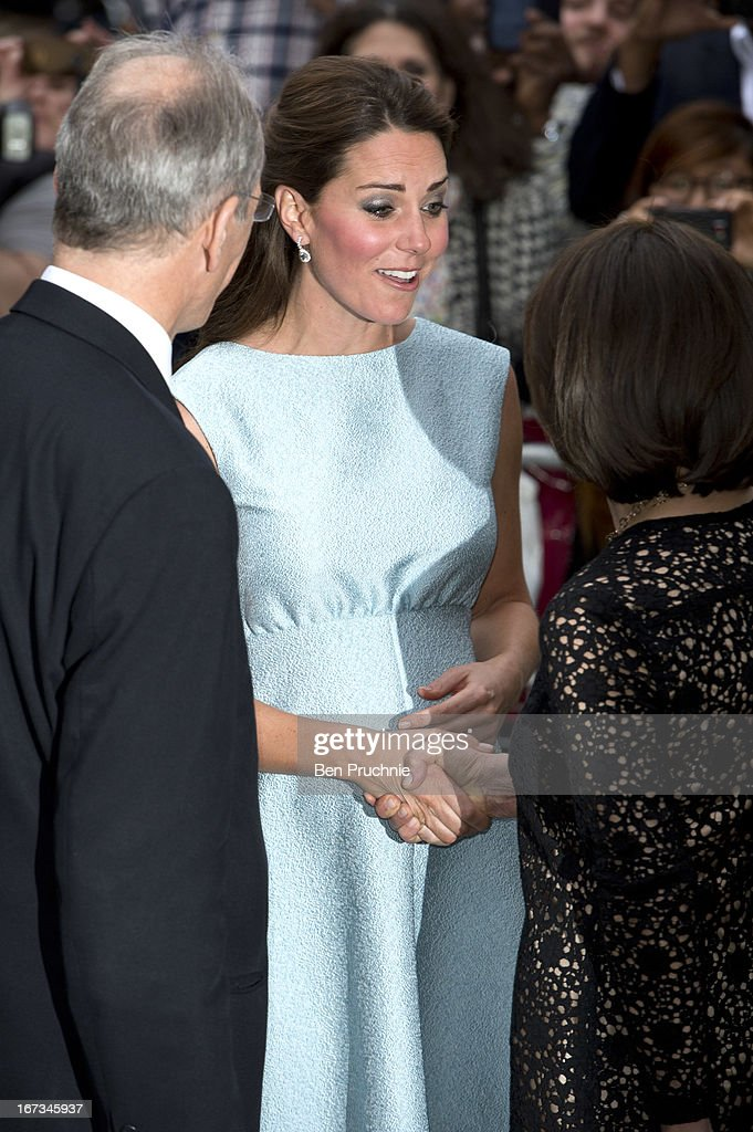 <a gi-track='captionPersonalityLinkClicked' href=/galleries/search?phrase=Catherine+-+Herzogin+von+Cambridge&family=editorial&specificpeople=542588 ng-click='$event.stopPropagation()'>Catherine</a>, Duchess of Cambridge sighted arriving at the National Portrait Gallery on April 24, 2013 in London, England.