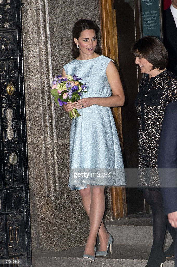 <a gi-track='captionPersonalityLinkClicked' href=/galleries/search?phrase=Catherine+-+Hertiginna+av+Cambridge&family=editorial&specificpeople=542588 ng-click='$event.stopPropagation()'>Catherine</a>, Duchess of Cambridge sighted departing the National Portrait Gallery on April 24, 2013 in London, England.