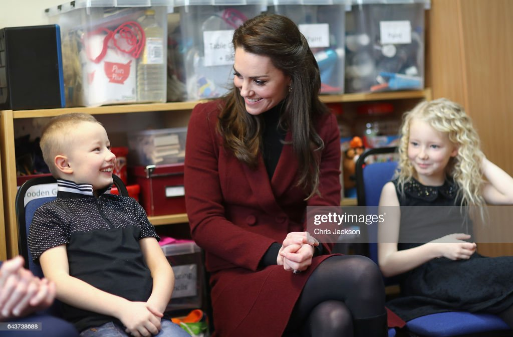 catherine-duchess-of-cambridge-sits-next-to-7-year-old-alife-thomas-picture-id643738688