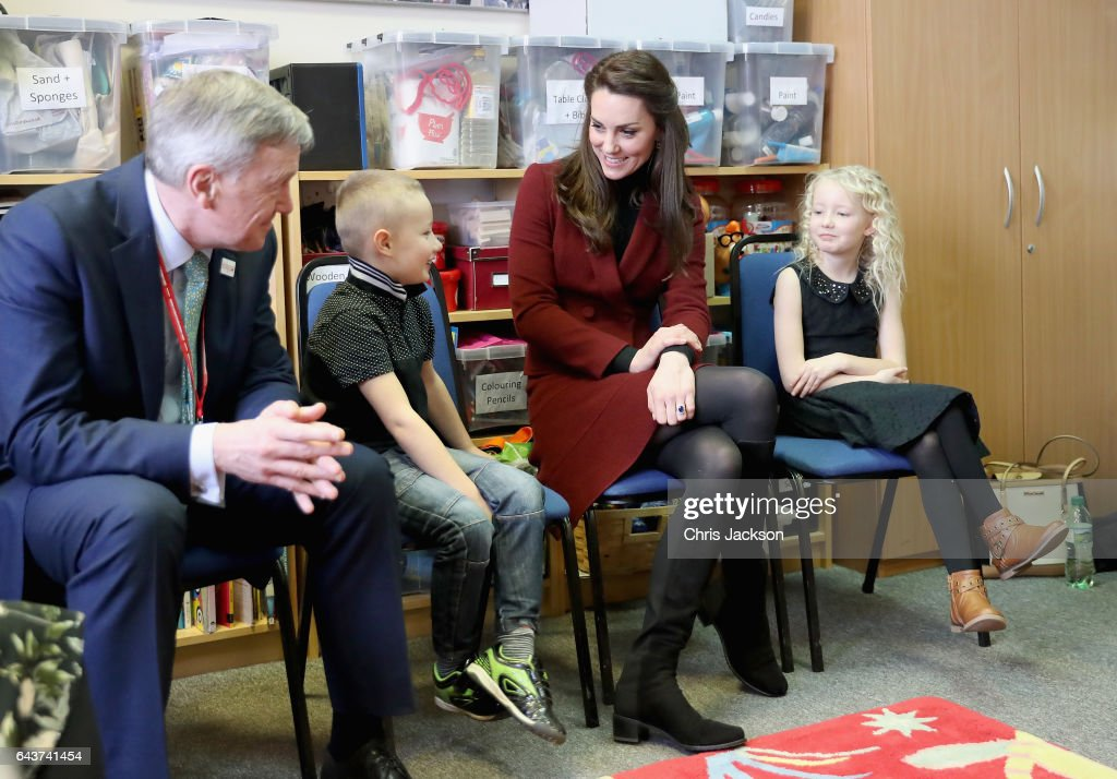 catherine-duchess-of-cambridge-sits-next-to-7-year-old-alife-thomas-picture-id643741454