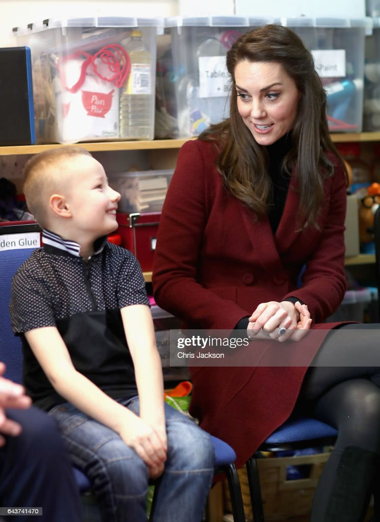 catherine-duchess-of-cambridge-sits-next-to-7-year-old-alife-thomas-picture-id643741470