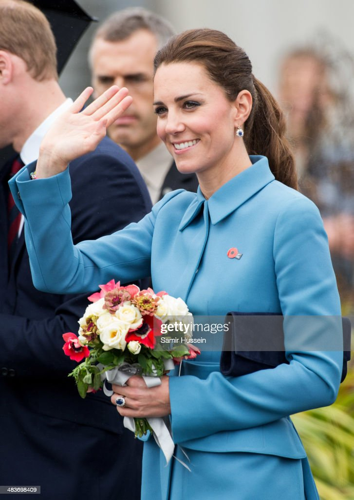 <a gi-track='captionPersonalityLinkClicked' href=/galleries/search?phrase=Catherine+-+Hertiginna+av+Cambridge&family=editorial&specificpeople=542588 ng-click='$event.stopPropagation()'>Catherine</a>, Duchess of Cambridge smiles as she attends a WW1 commemorative and Flying Day at Omaka Aviation Heritage Centre on April 10, 2014 in Blenheim, New Zealand. The Duke and Duchess of Cambridge are on a three-week tour of Australia and New Zealand, the first official trip overseas with their son, Prince George of Cambridge.
