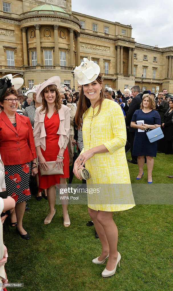 <a gi-track='captionPersonalityLinkClicked' href=/galleries/search?phrase=Catherine+-+Duchesse+de+Cambridge&family=editorial&specificpeople=542588 ng-click='$event.stopPropagation()'>Catherine</a>, Duchess of Cambridge smiles as she talks to guests at a Garden Party in the grounds of Buckingham Palace hosted by Queen Elizabeth II on May 22, 2013.