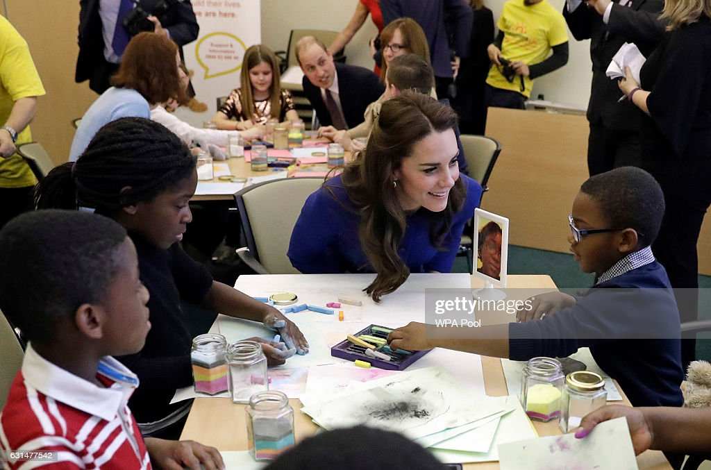 catherine-duchess-of-cambridge-speaks-to-families-at-the-child-uk-picture-id631477542